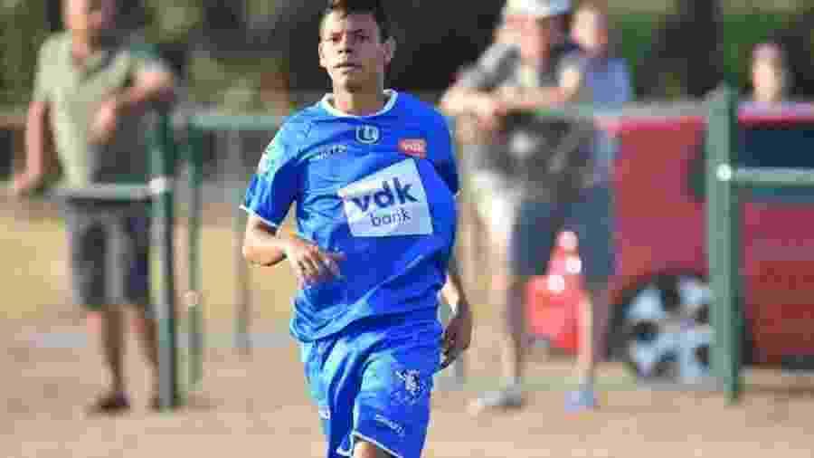 Colombiano Harlen Santiago García, 18 anos, morreu após sofrer uma parada cardíaca durante um jogo  - Divulgação/Academia FC Manizales