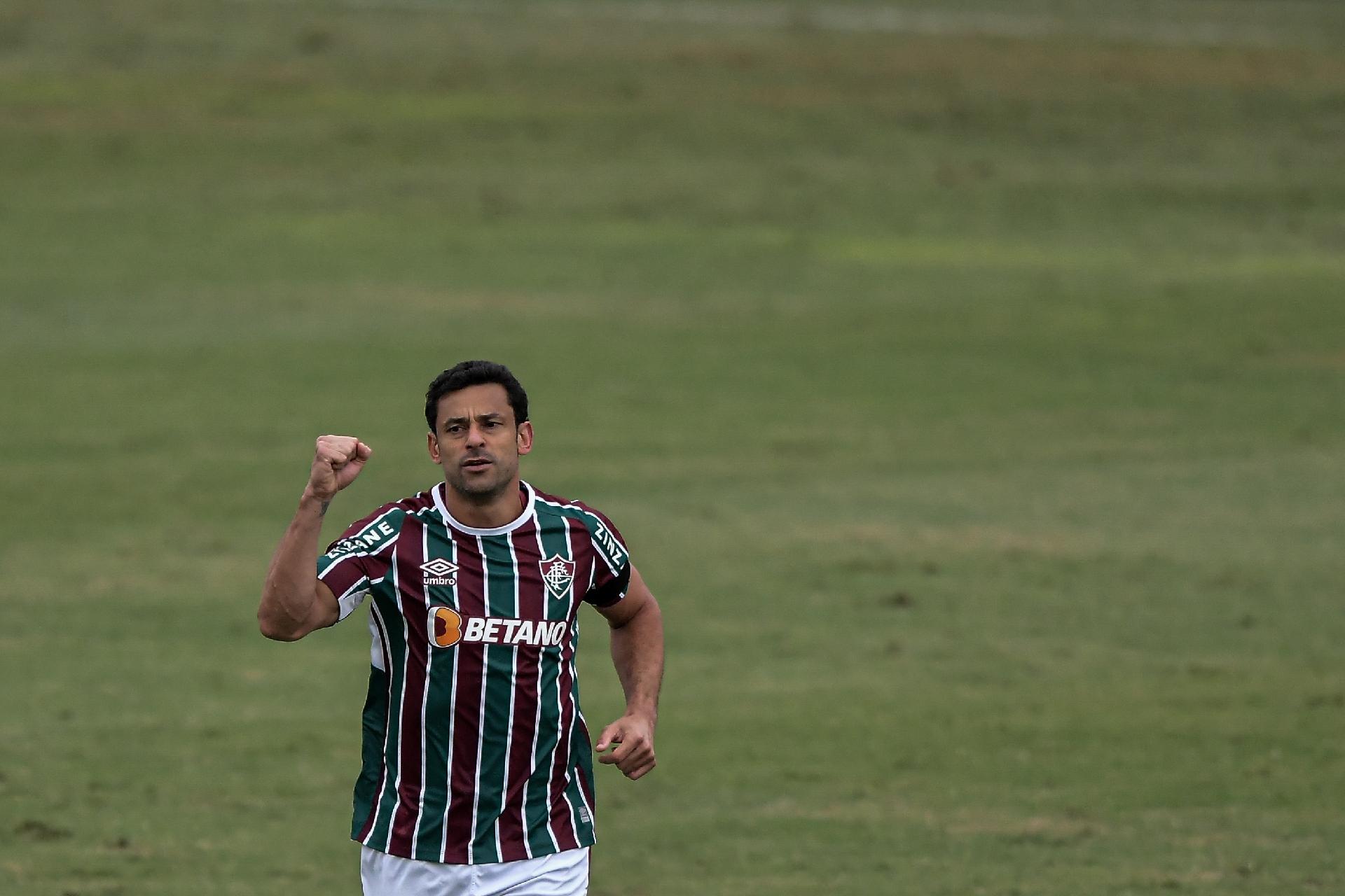 Fred jogador do Fluminense comemora seu gol durante partida contra o Athletico-PR no estadio Raulino de Oliveira pelo campeonato Brasileiro A 2021