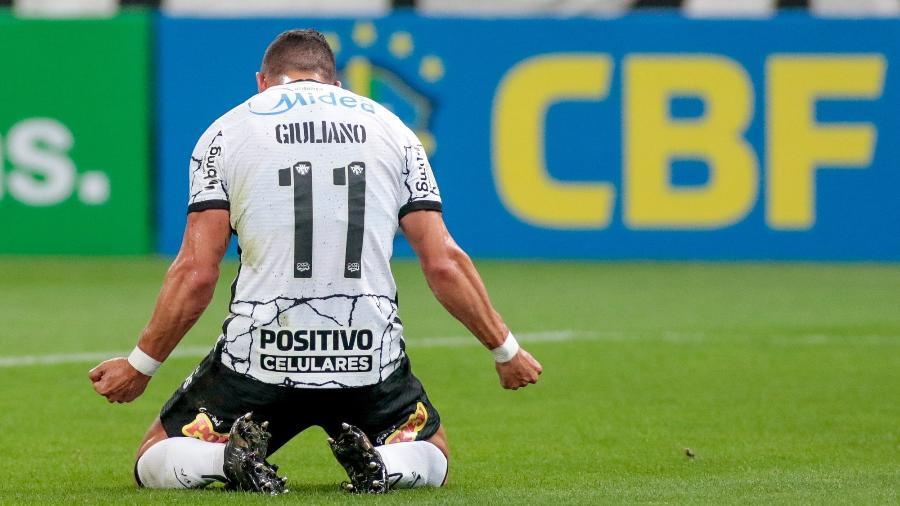 Giuliano comemora seu 1º gol pelo Corinthians, no empate com o América-MG - Rodrigo Coca/Agência Corinthians