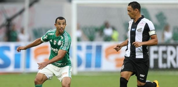 Roger Carvalho ganhou a vaga de titular do Palmeiras há quatro partidas