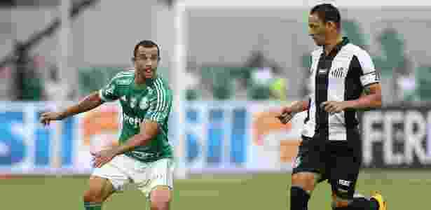 Roger Carvalho ganhou a vaga de titular do Palmeiras há quatro partidas - Cesar Greco/Ag Palmeiras