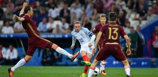 Rooney foi barrado no time titular da Inglaterra pelo técnico Southgate