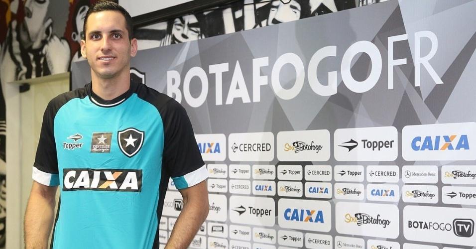 Gatito Fernández apresentado no Botafogo