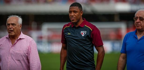 Jucilei será titular do São Paulo neste domingo