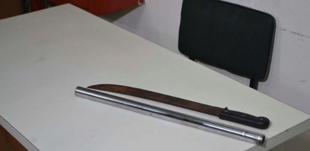 Armas apreendidas pela polícia após a confusão