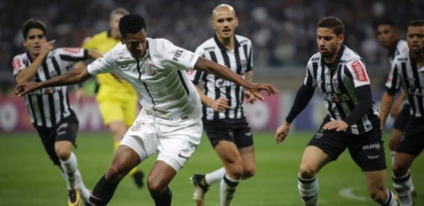 Atlético-MG precisa vencer o Corinthians para seguir com chances de classificação