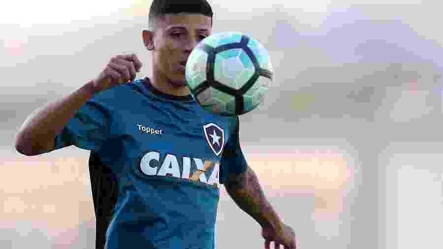 Wenderson é tratado como uma das grandes promessas da categoria de base do Botafogo - Vitor Silva/SSPress/Botafogo