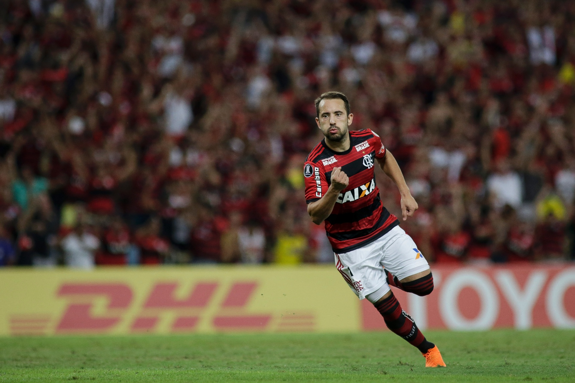 8e880b8e1e Everton Ribeiro admite sufoco