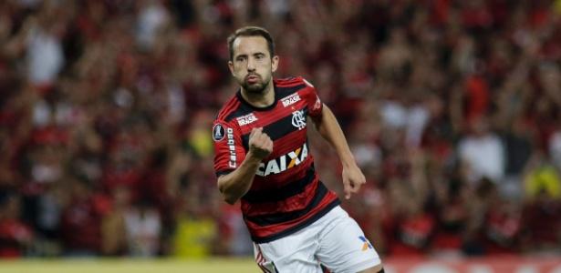Em entrevista, meia fala de bom momento do Flamengo - Luciano Belford/AGIF