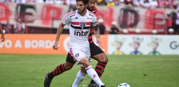Hudson em ação pelo São Paulo durante jogo contra o Sport - Paulo Paiva/AGIF
