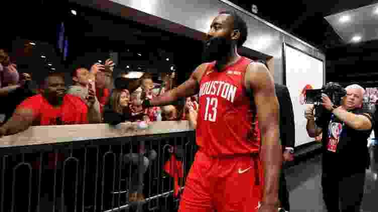 Harden é o principal cestinha da NBA e lidera a boa campanha do Houston Rockets - Erik Williams-USA TODAY Sports
