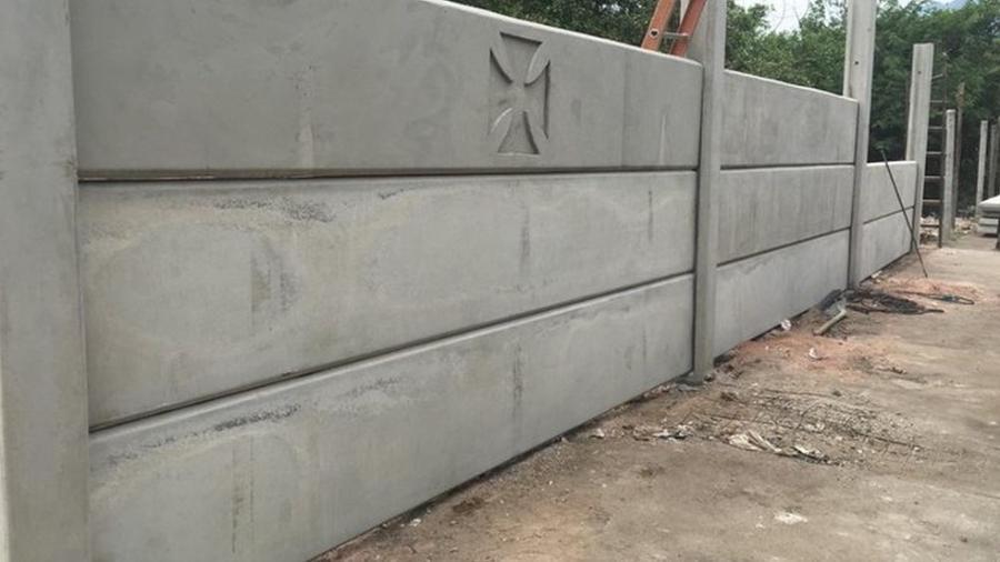 Muro do centro de treinamento do Vasco: local situado em Jacarepaguá (RJ) já passa por obras - Divulgação / Vasco