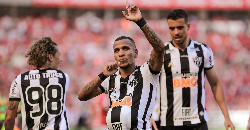 Otero comemora após marcar pelo Atlético-MG contra o Internacional