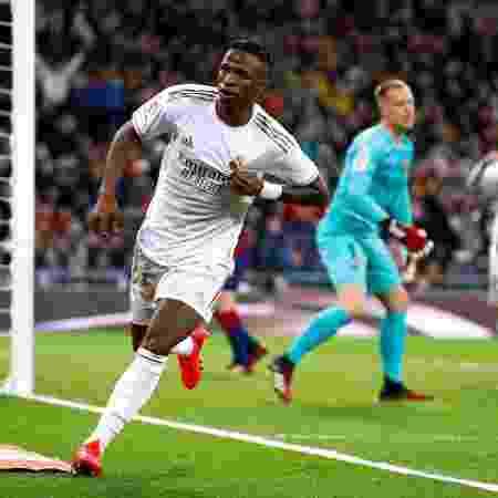 Vinicius Junior marca no clássico entre Real Madrid e Barcelona, em jogo válido pelo Campeonato Espanhol - Juan Medina/Reuters