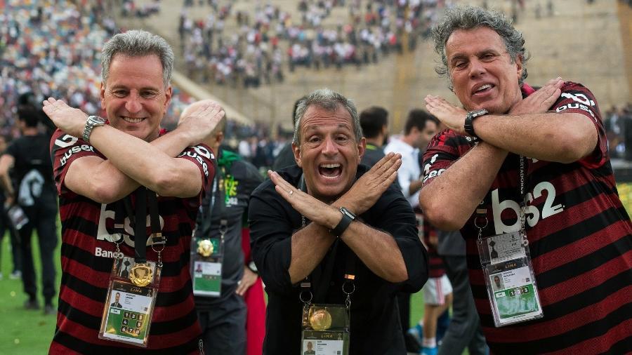 Luiz Eduardo Baptista, o Bap (ao centro), ao lado do presidente Rodolfo Landim e de Gustavo Oliveira, vice de comunicação do Flamengo - Alexandre Vidal/Flamengo