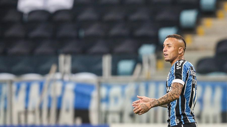 Everton Cebolinha durante jogo do Grêmio contra o Internacional, em jogo do Gauchão 2020 - Pedro H. Tesch/AGIF