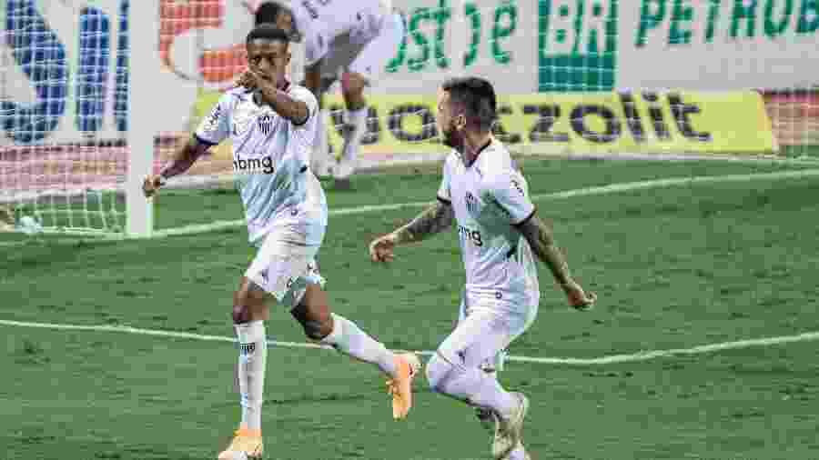 Keno comemora gol do Atlético-MG diante do Atlético-GO, pelo Brasileirão - Heber Gomes/AGIF