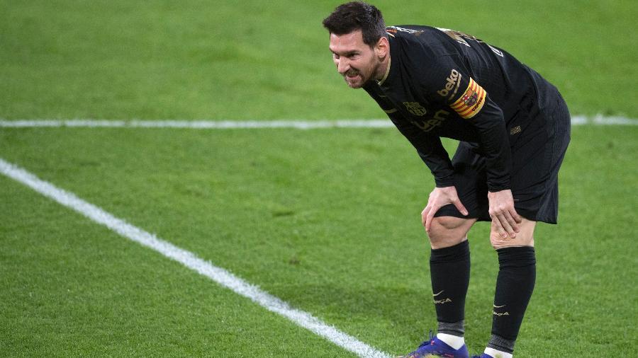 Messi faz careta durante derrota do Barcelona para o Cádiz, pela 12ª rodada do Campeonato Espanhol - Jorge Guerrero/AFP