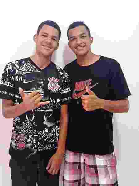 Marcos (esq) e Matheus (dir): irmãos com uma história de superação e fé - Arquivo Pessoal - Arquivo Pessoal