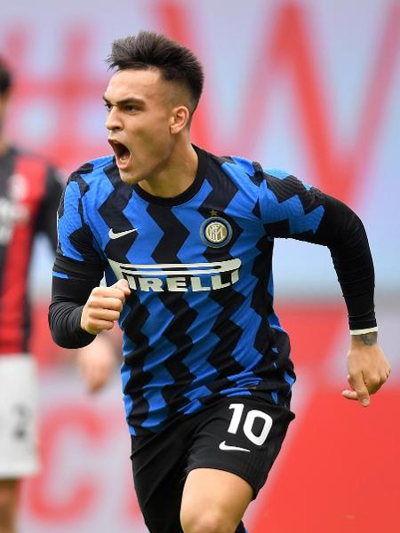 Lautaro Martínez comemora gol da Inter de Milão contra o Milan - REUTERS/Daniele Mascolo