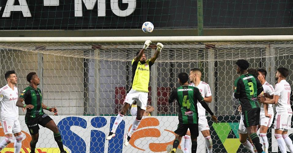 Edenílson assumiu o gol do Inter nos minutos finais contra o América