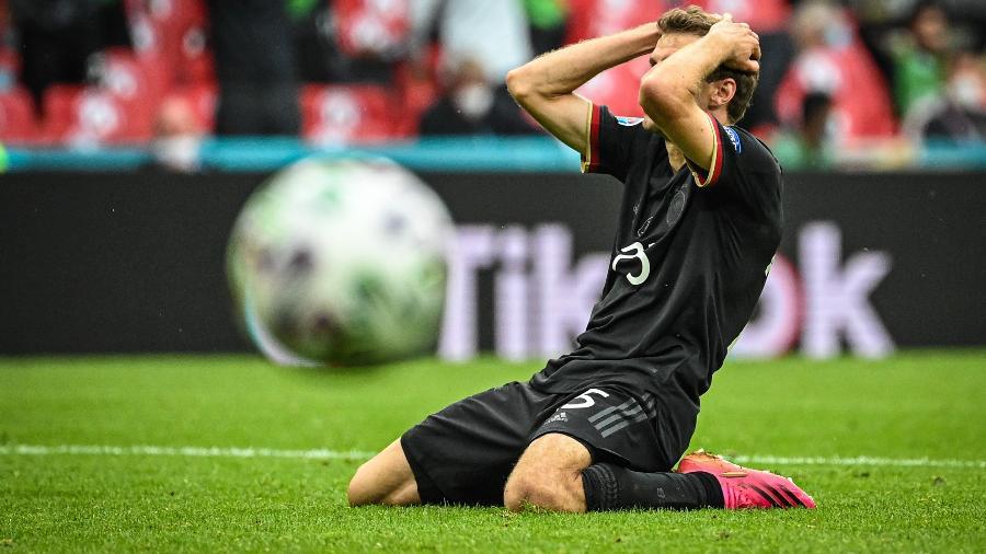 Thomas Müller lamenta chance perdida na partida entre Inglaterra e Alemanha, pela Eurocopa - Getty Images