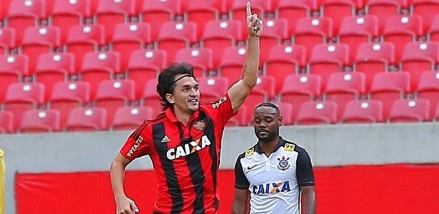 Matheus Ferraz jogou apenas uma partida com Luxemburgo no comando