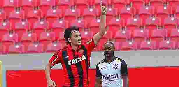 Matheus Ferraz jogou apenas uma partida com Luxemburgo no comando - CARLOS EZEQUIEL VANNONI/ESTADÃO CONTEÚDO