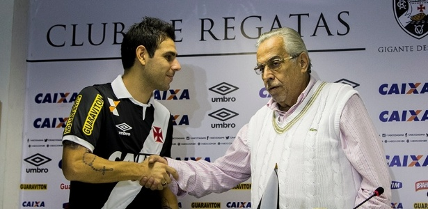 Herrera teve o contrato rescindido amigavelmente por Eurico Miranda no Vasco