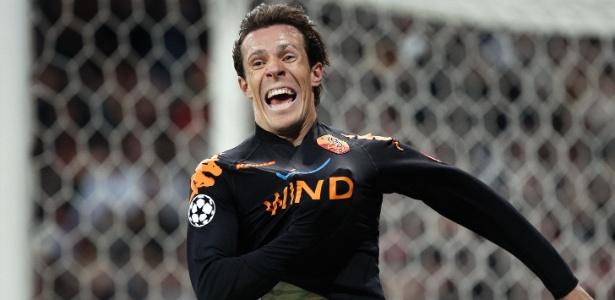 Gol de Taddei sobre o Real Madrid pela Liga dos Campeões. Foram nove anos de Roma