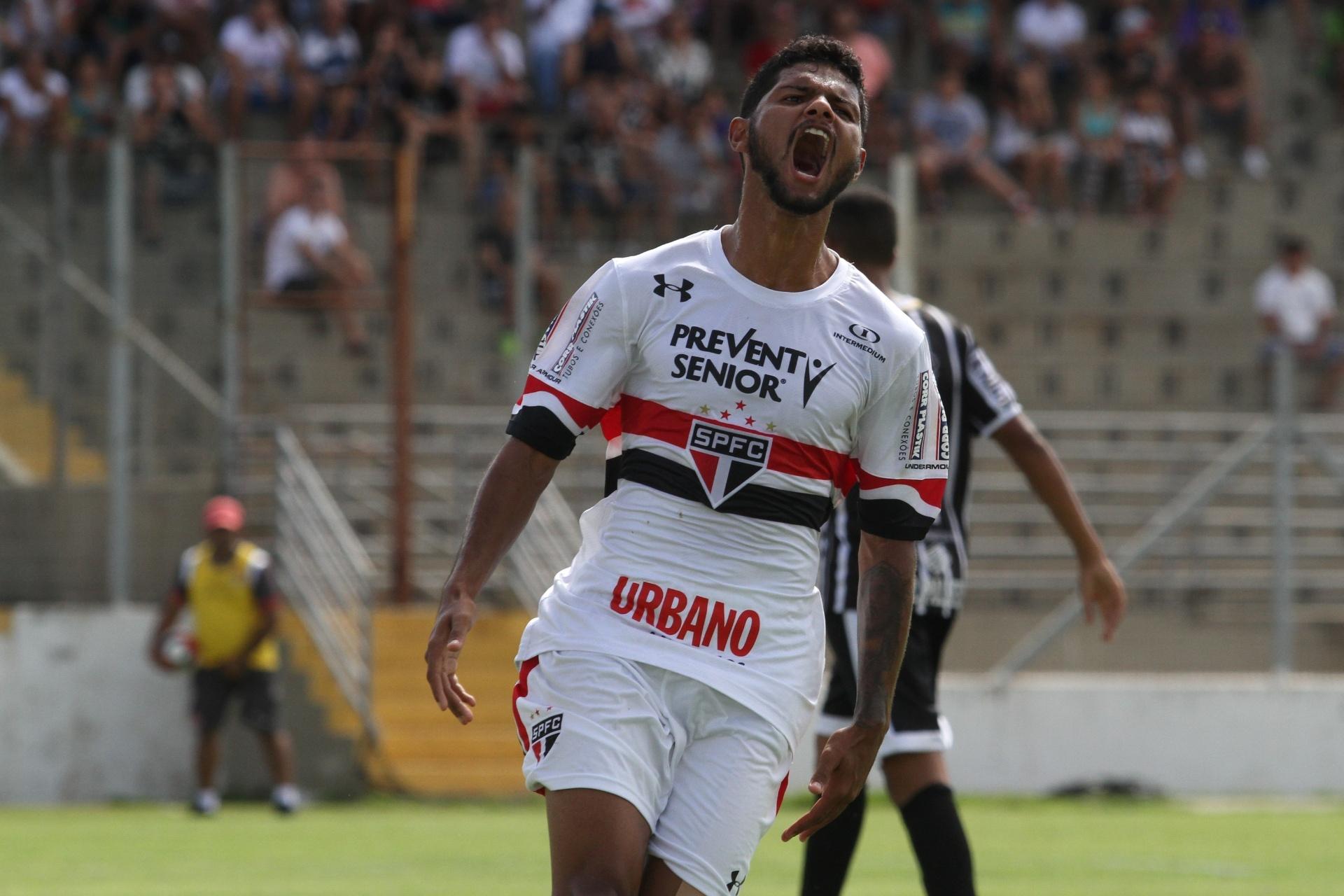 São Paulo promove Caique e pode levar mais duas promessas ao time principal  - 30 12 2017 - UOL Esporte c241551d2b1d5