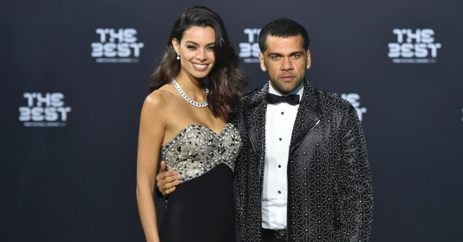 Daniel Alves e a namorada Joana Sanz chegam ao prêmio de melhor jogador do mundo da Fifa