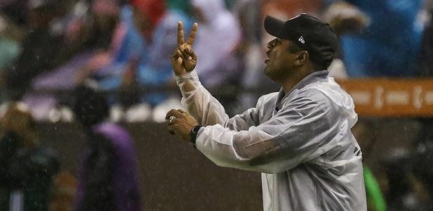 Roger Machado foi elogiado pelos jogadores do Atlético-MG após derrota para o Libertad