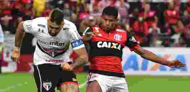 Márcio Araújo, por enquanto, continua no Flamengo para a temporada de 2018 - Thiago Ribeiro/AGIF
