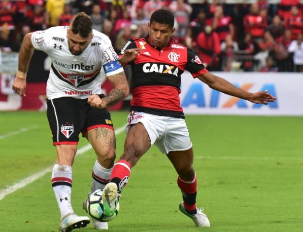 Márcio Araújo, por enquanto, continua no Flamengo para a temporada de 2018