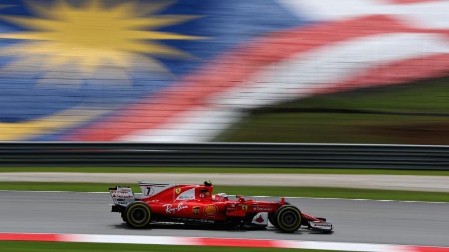Kimi Raikkonen liderou o último treino antes da classificação -  Mark Thompson/Getty Images