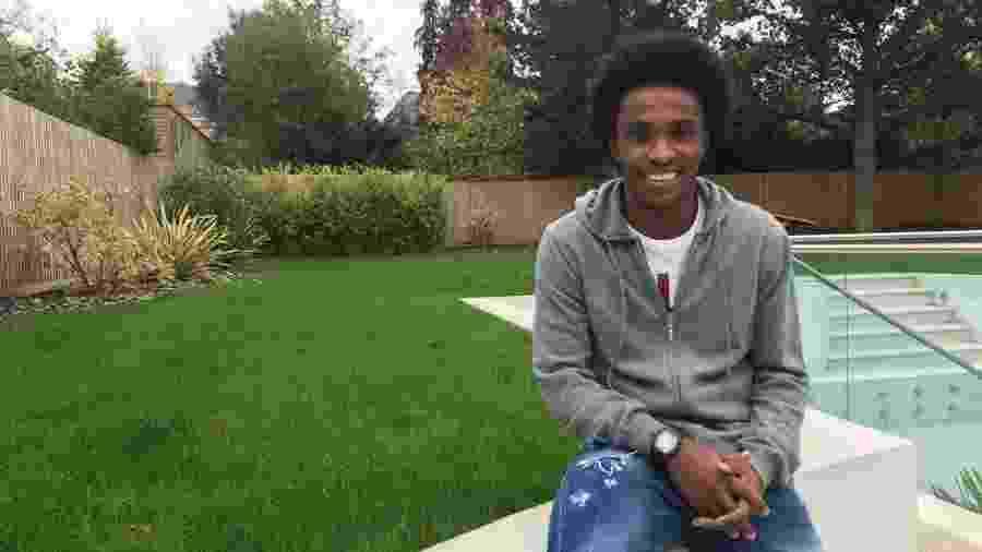 Willian recebeu a reportagem do UOL Esporte em sua casa em Londres - Caio Carrieri/UOL