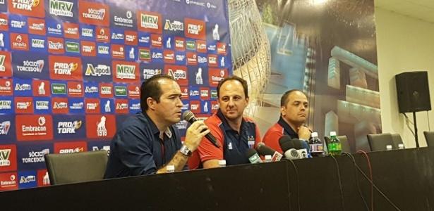 Rogério Ceni foi apresentado nesta quarta-feira (15) na Arena Castelão