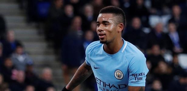 Gabriel Jesus comemora gol do Manchester City contra o Leicester