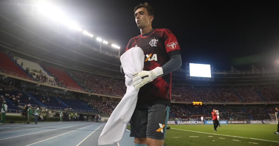 César é o goleiro titular do Flamengo contra o Junior
