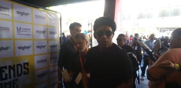 Ronaldinho chega a evento no Ginásio do Ibirapuera