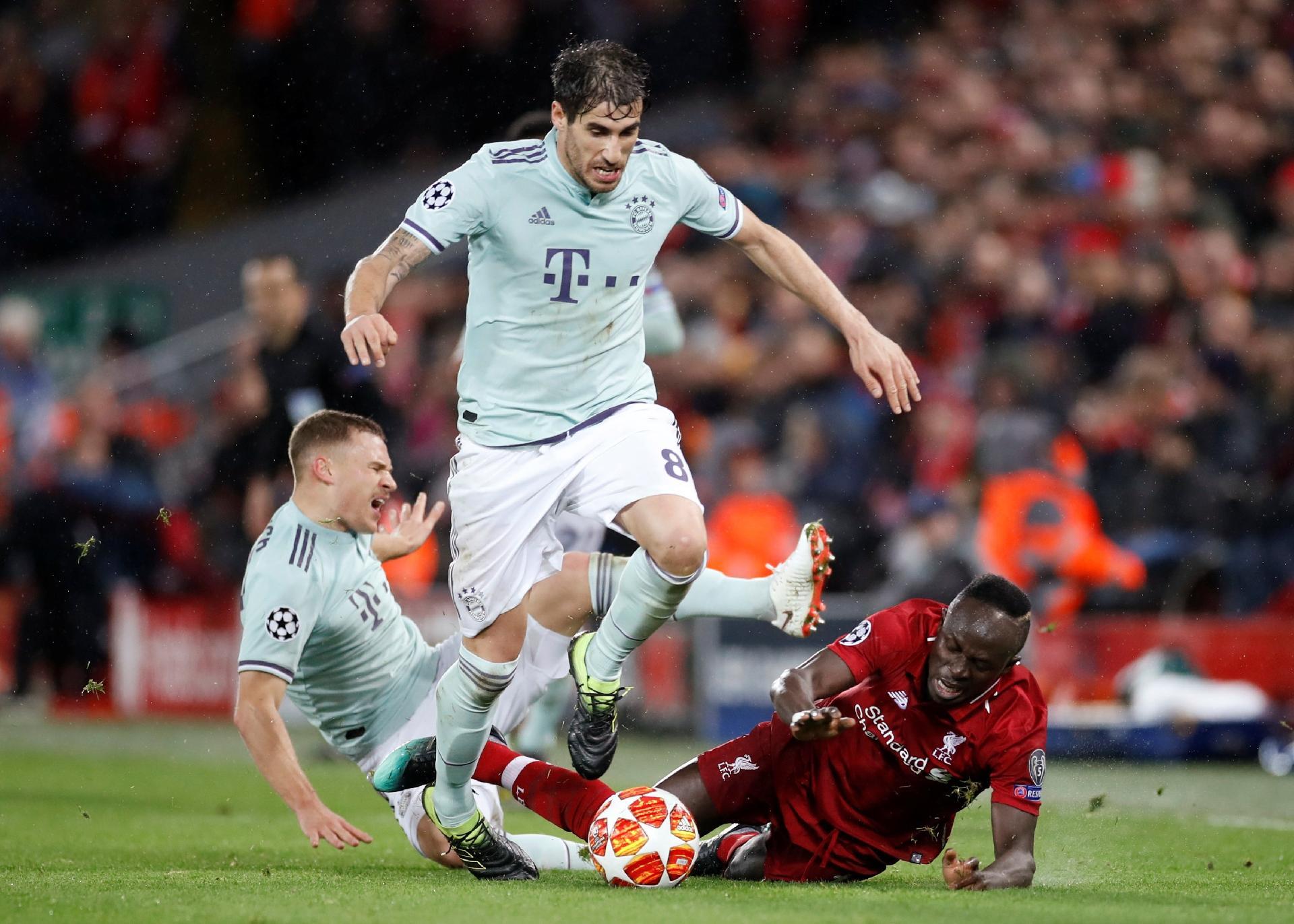 ab31db77f4 Bayern segura desfalcado Liverpool e leva empate para a Alemanha -  19 02 2019 - UOL Esporte