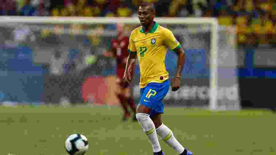 Fernandinho será o substituto de Casemiro no meio-campo da seleção - Felipe Oliveira/Getty Images