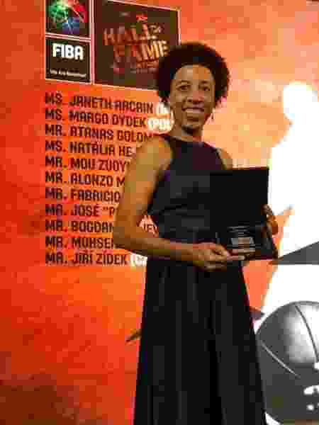 Janeth recebe homenagem da FIBA e entra para Hall da Fama do basquete - Divulgação