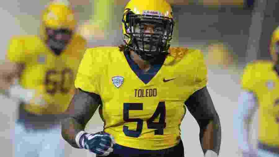 Jahneil Douglas, de 22 anos, era membro da linha defensiva dos Rockets, equipe de futebol americano da University of Toledo. - Divulgação/Toledo Rockets