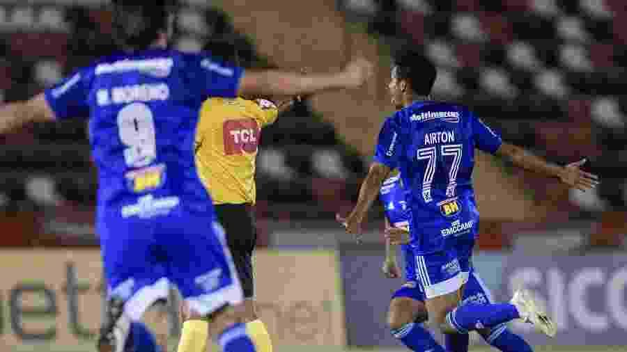 Airton se tornou peça crucial do ataque cruzeirense com o técnico Luiz Felipe Scolari - Foto: Gustavo Aleixo/Cruzeiro