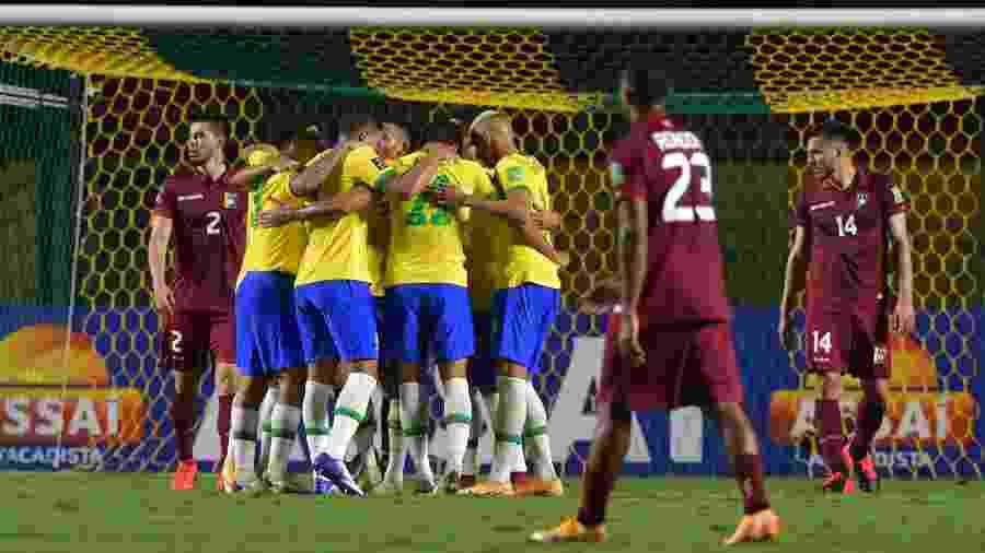 Roberto Firmino fez o gol da vitória da seleção brasileira aos 21 minutos do segundo tempo - Nelson Almeida-Pool/Getty Images