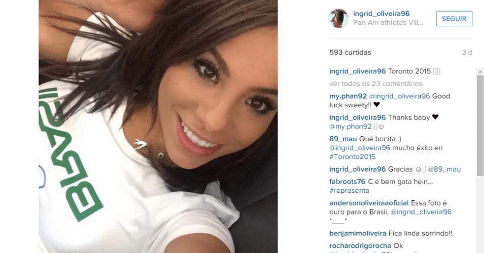 Ingrid Oliveira posta 'selfie' nas redes sociais com camisa do Brasil