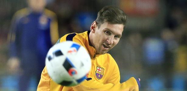 Messi volta a treinar normalmente após entrada violenta de Filipe Luis