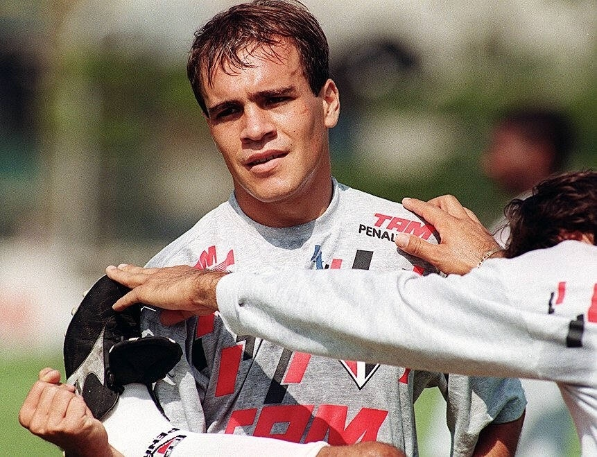 O zagueiro Sorlei na época que defendia o São Paulo, em 1996